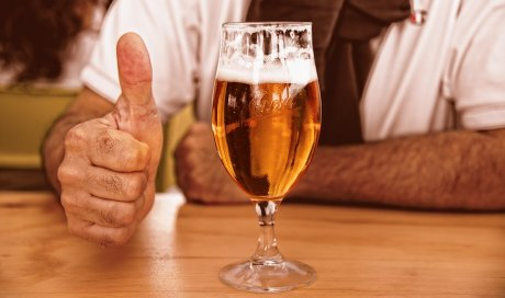 Dégustation et vente de bières artisanales au salon Toulouse Beer fest à Toulouse